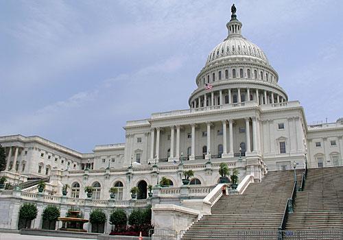US senators demand one-year ban on mail plant closures