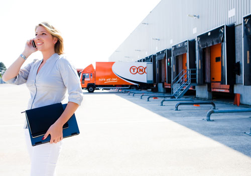 "TNT Express building its largest ""Super Hub"" by Melbourne Airport"