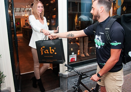 Bike messengers allow Dutch retailers to tap into same day delivery