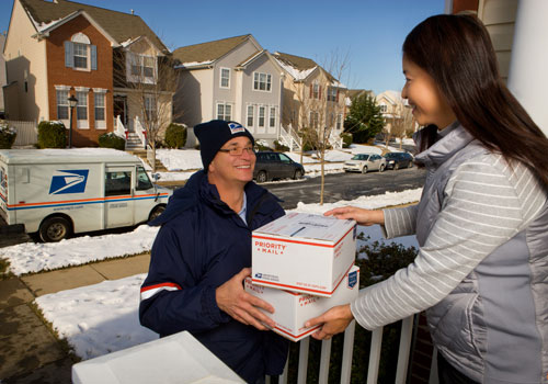 USPS expecting stronger package growth than rivals at Christmas