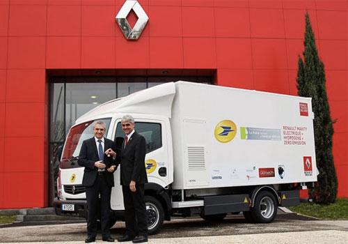 La Poste to test extended-range hydrogen-electric vehicle
