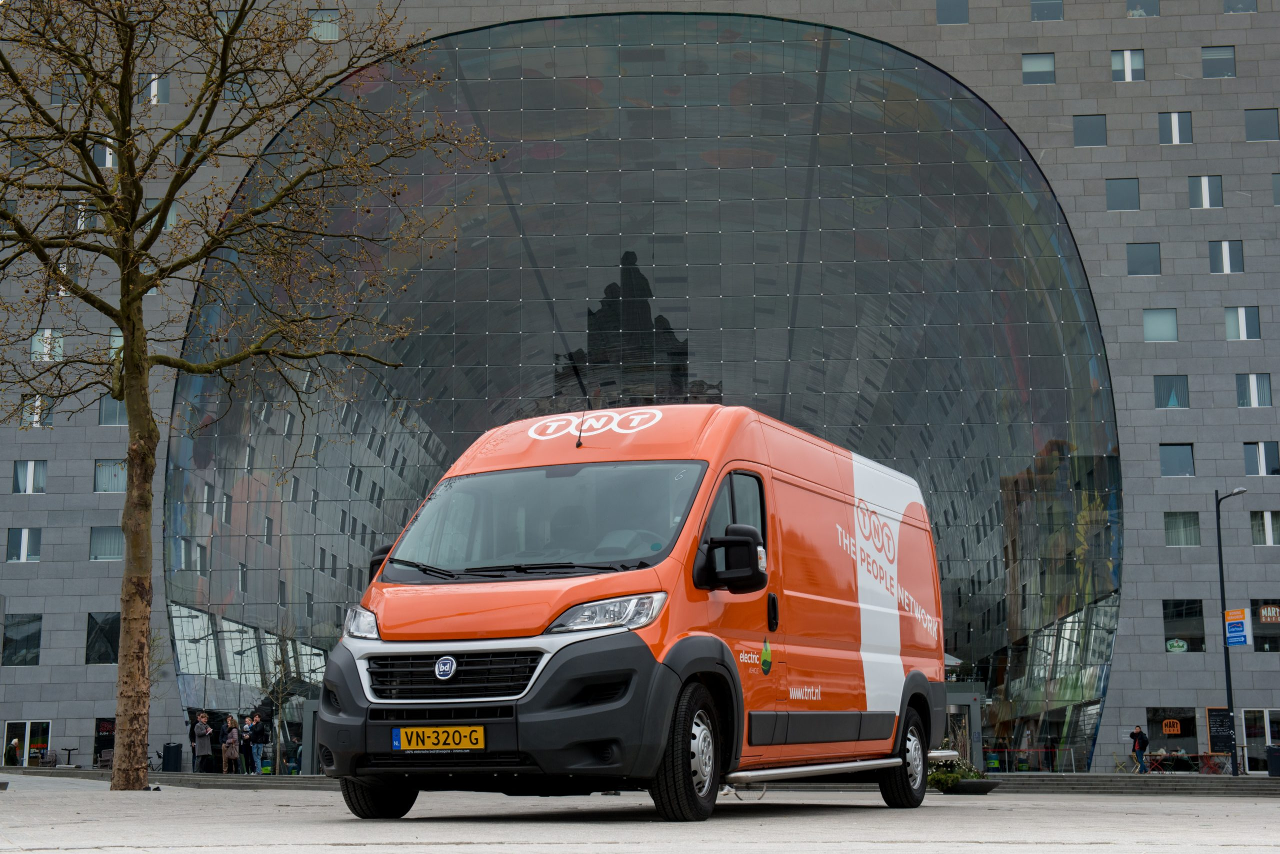 TNT introduces electric express delivery vehicles in Amsterdam and Rotterdam