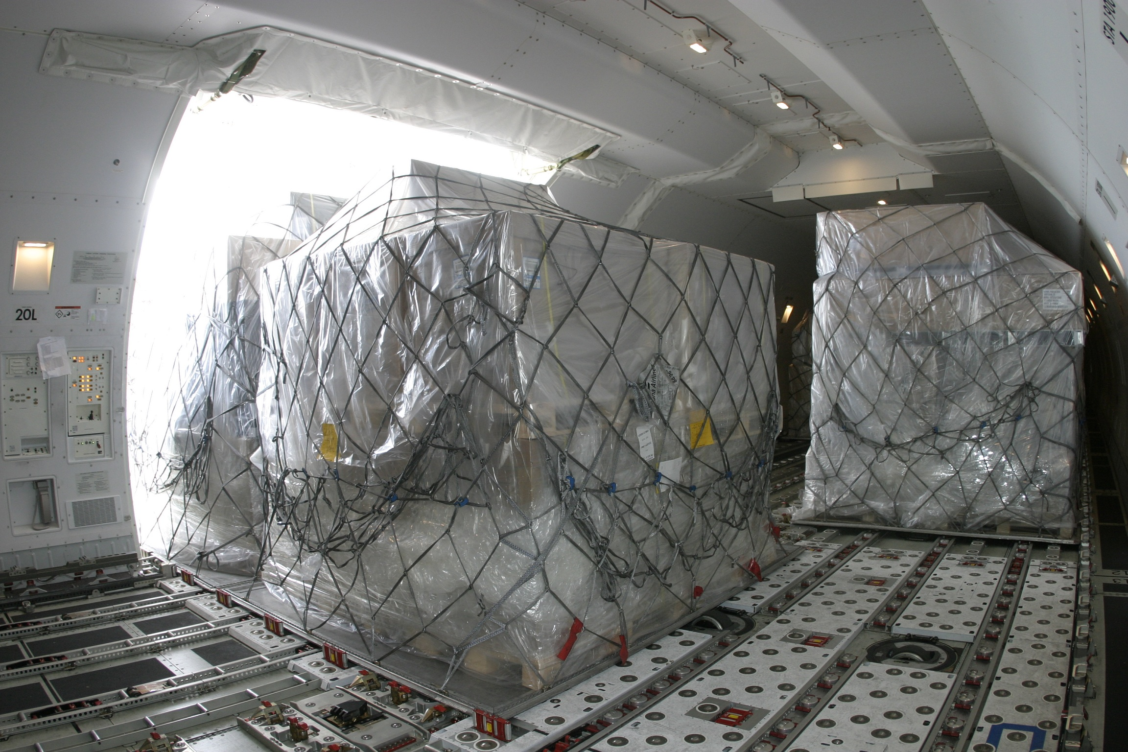 Amazon reportedly involved in air cargo project | Post & Parcel