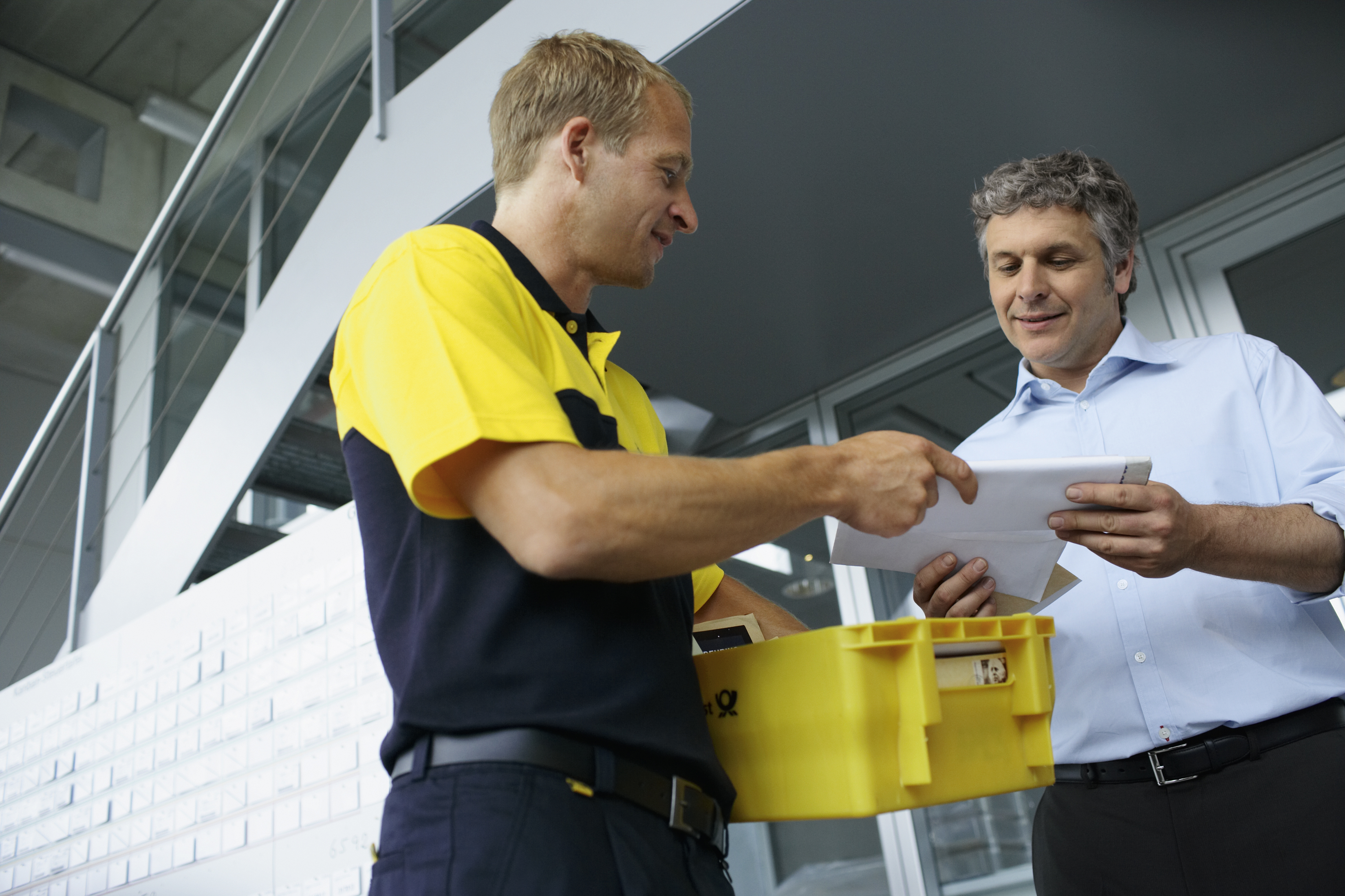 Deutsche Post submits new postal rates for approval