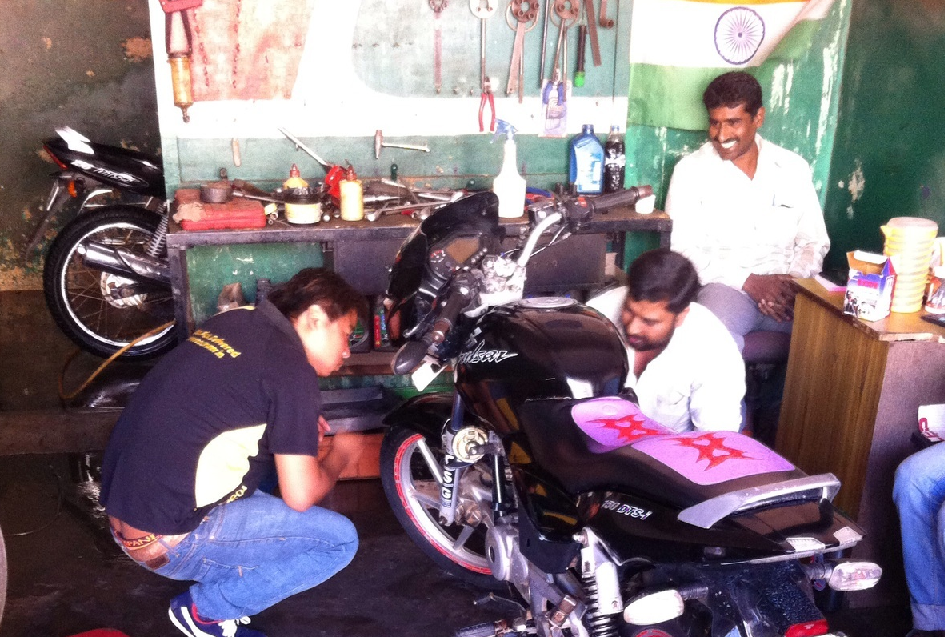 Free bike servicing for India's Roadrunnr delivery boys