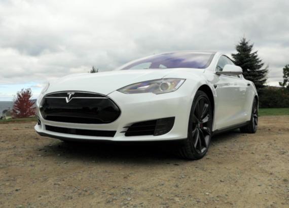 US highway safety authority evaluating Tesla Autopilot after fatal crash