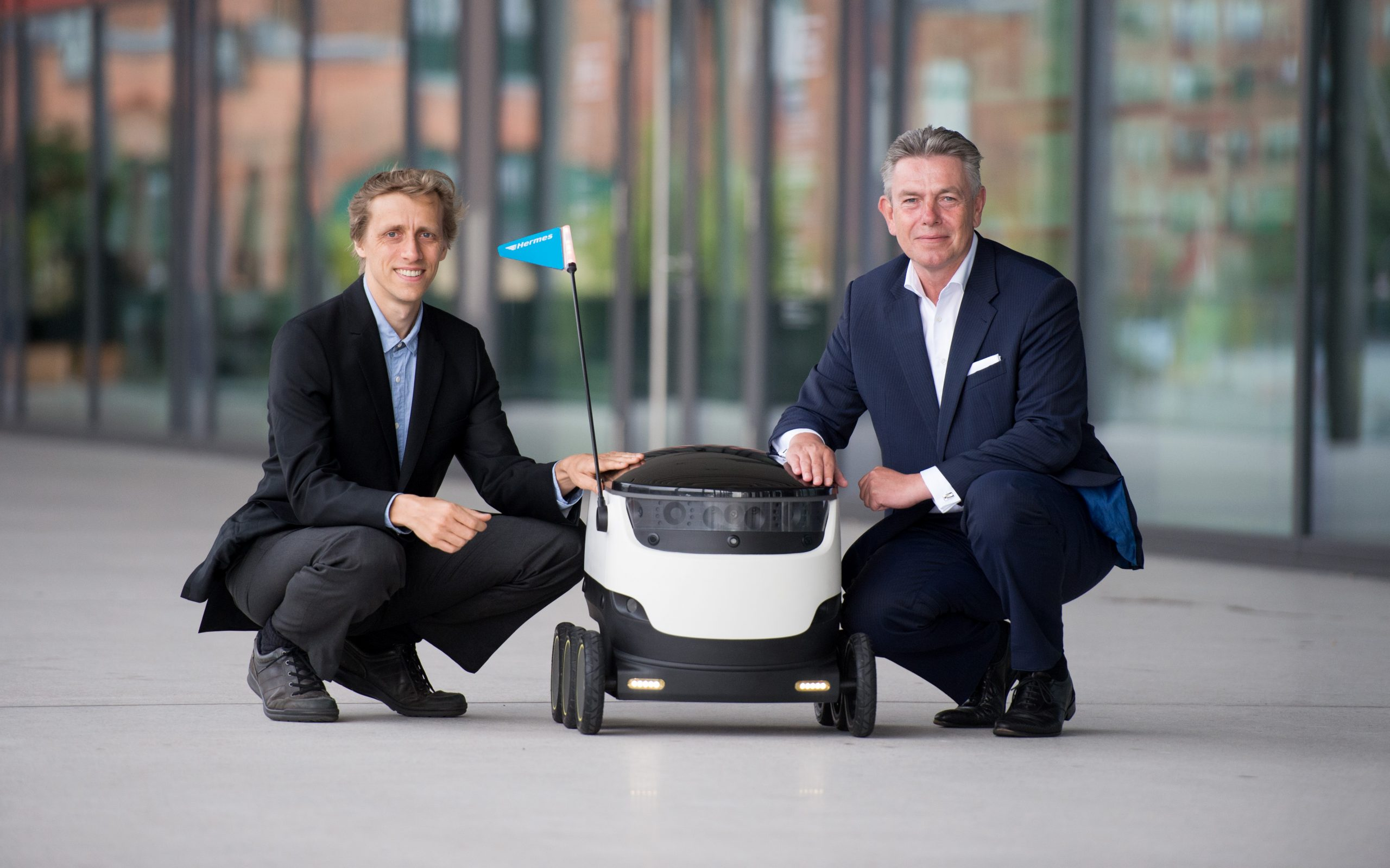 Hermes and Starship to start delivery robot tests this month