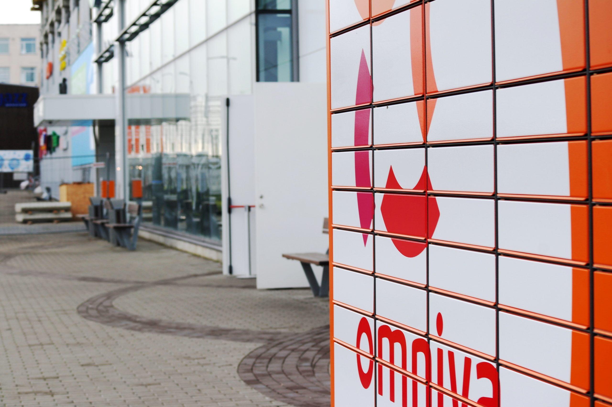 Omniva expanding parcel machine network