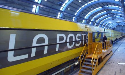 La Poste sees 11.5% jump in profits
