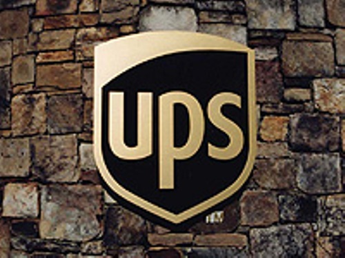 UPS announces new peak shipping charge