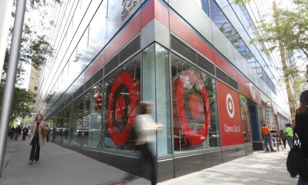 Target's free shipping and extended shopping hours for Christmas
