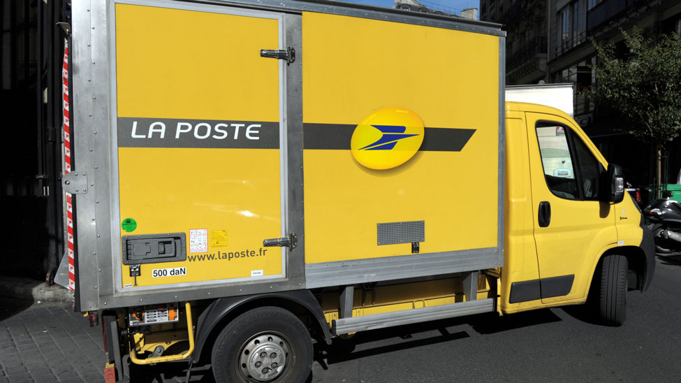 La Poste reports profits and revenue increases