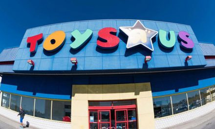 UK retailers Toys R Us and Maplin go into administration