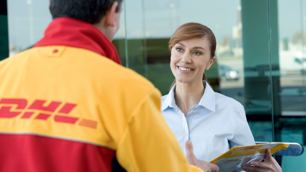 DHL launches parcel shipping in Switzerland