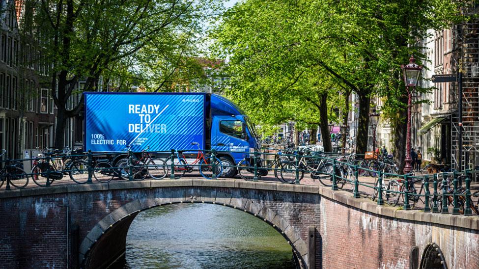 PostNL using FUSO eCanter all-electric trucks