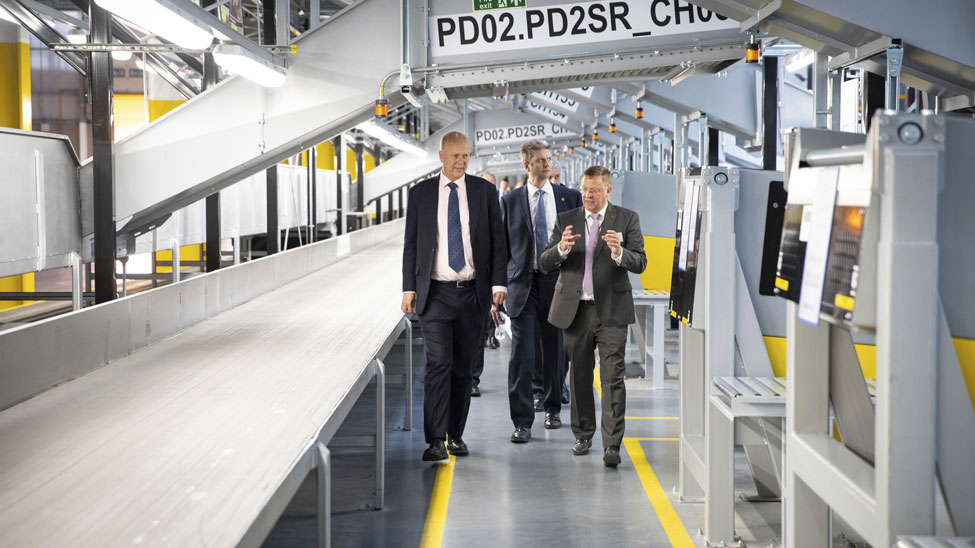UPS officially opens £120m London hub