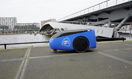 Dutch supermarket trials delivery robot