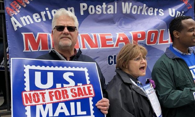 APWU fights Trump's plan to privatise the United States Postal Service