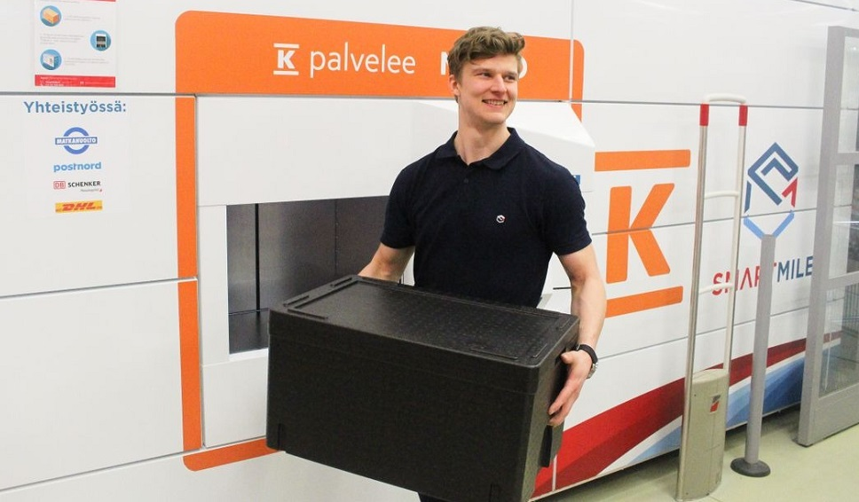 Finns can now pick up parcels and groceries from automated parcel machines