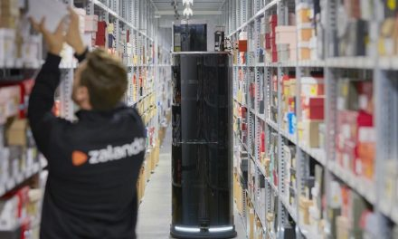 Zalando pilots 8 robots in its Lahr logistics centre