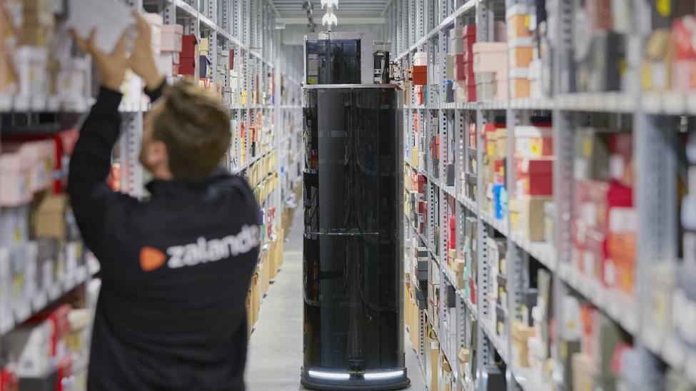 Zalando pilots 8 robots in its Lahr logistics centre