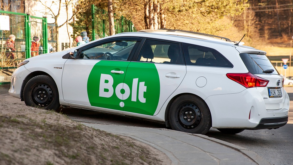 Omniva partners with Bolt to deliver parcels