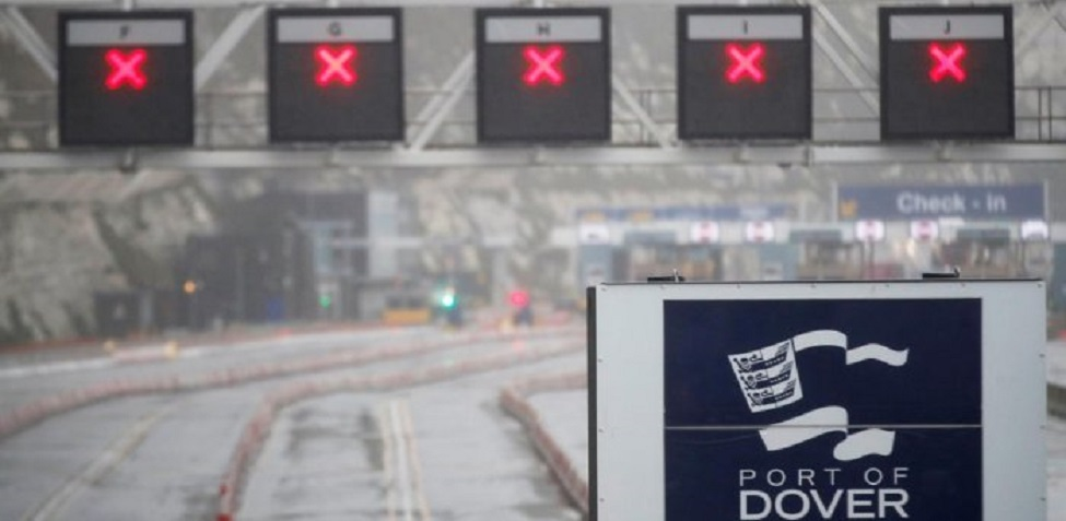 Covid Freight ban: queues mount at Dover