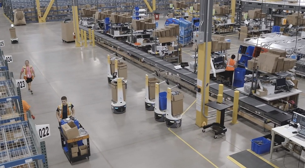 DHL Supply Chain to take on up to 2,000 robots by 2022