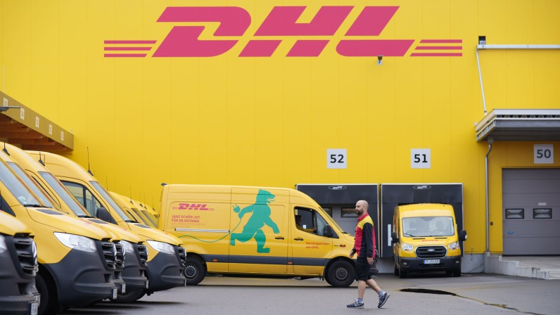 DHL Express makes electric deliveries in Berlin